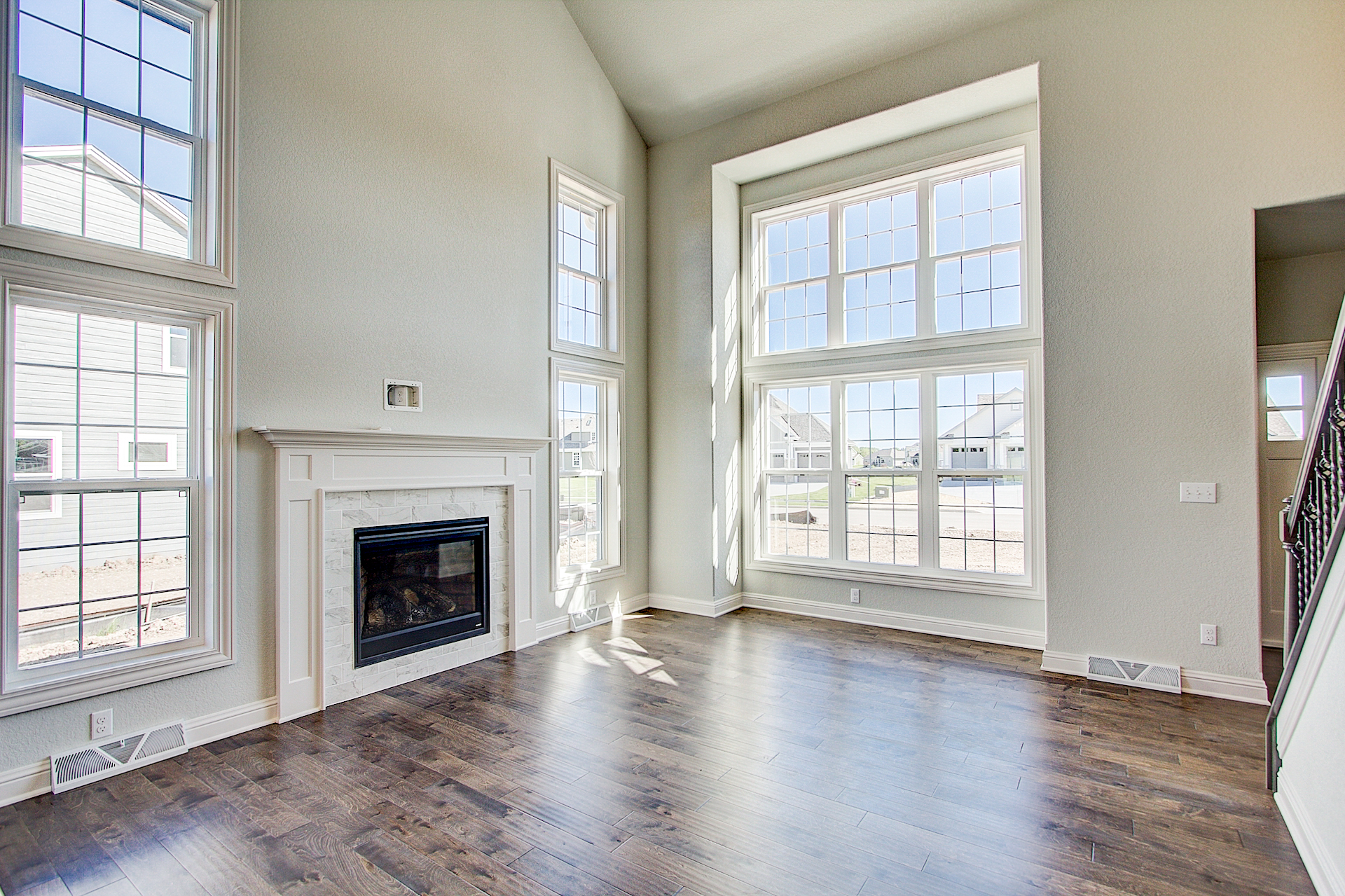2-Story Great Room and Fireplace